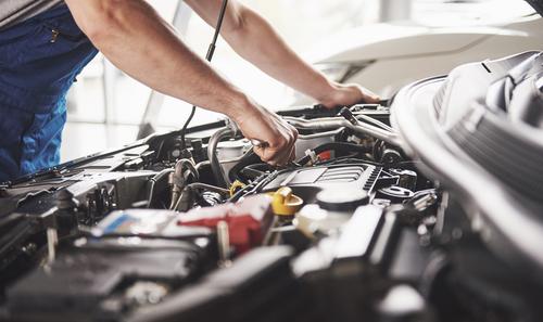 4 Kesalahan yang Kerap Dilakukan Saat Mengganti Oli Mobil