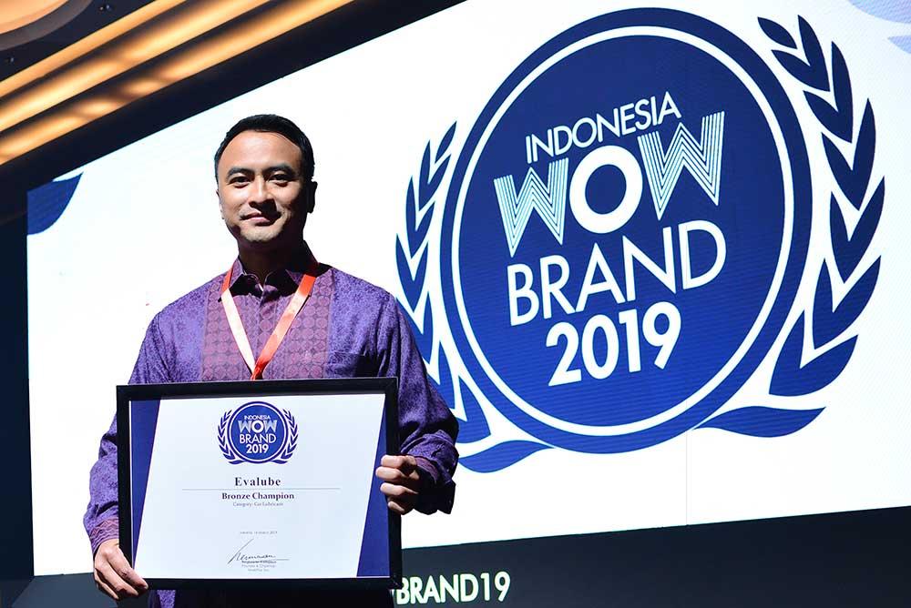 Evalube Raih Penghargaan WOW Brand 2019 Untuk Kategori Pelumas Roda Empat