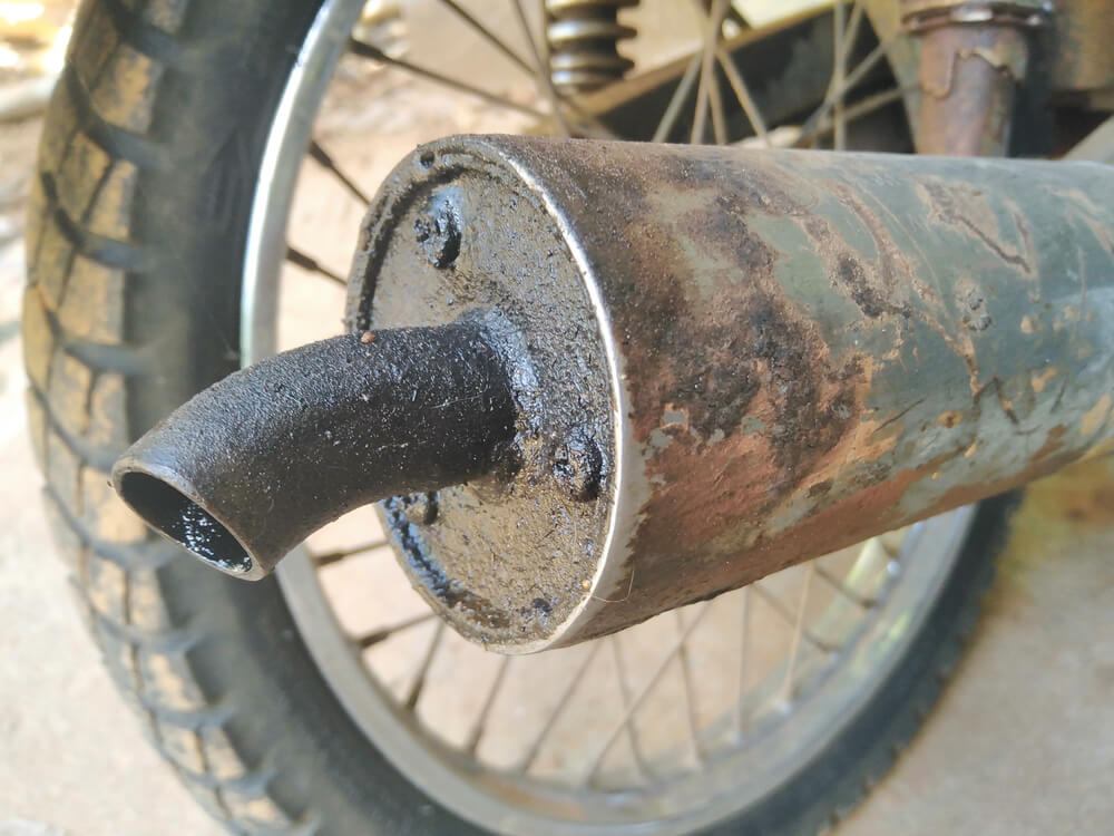 Tanda Sepeda Motor Kehabisan Oli Mesin