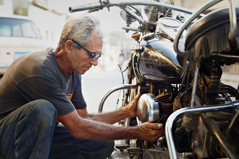 Menghidupkan Motor yang Sudah Lama Disimpan