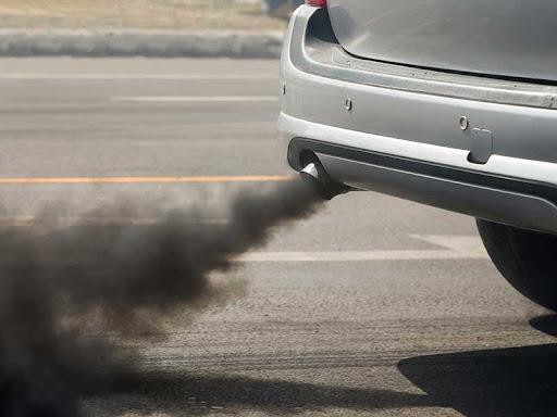 Mobil Diesel Keluar Asap? Jangan Panik! Ini 4 Cara Perawatannya